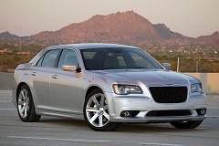 Автомобиль 2012 Chrysler 300 SRT8